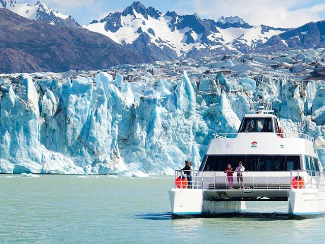 Navigazione sul ghiacciaio Viedma